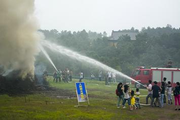 南京大金山火灾救援